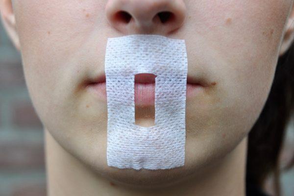 omft-lippenpleisters-plakken